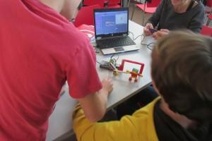 Lego WeDo: programem robots